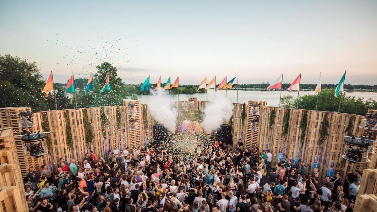 Cowanzo lights up the 'Op Dreef' festival